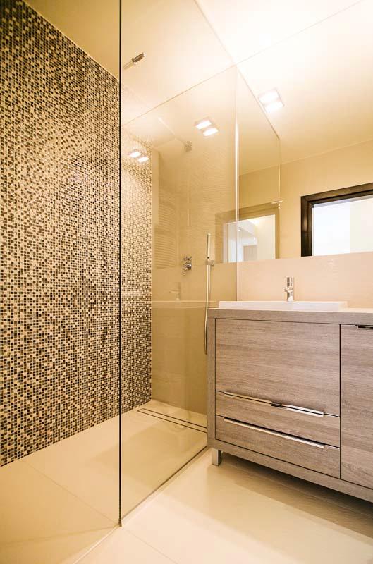 Perfektes badezimmer anna buczny projektowanie i for Badezimmer keramik hersteller